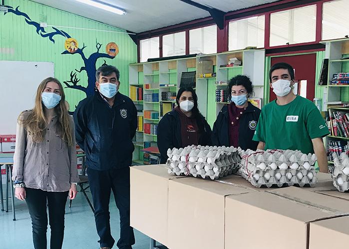 Entrega cajas de alimentos PACE -Siembra UC 2021 en Liceo Bicentenario Politécnico San Joaquín