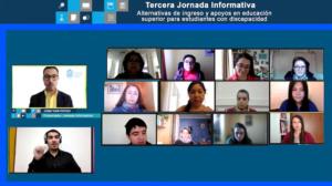 Foto del panel. Izquierda, presentador e intérprete, a la derecha Universidades participantes y entrevistadores